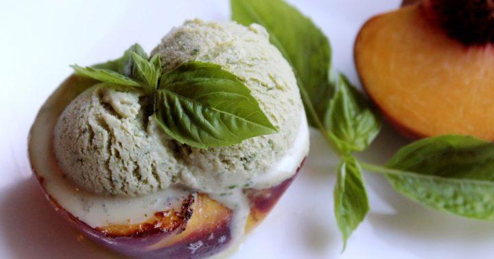 Мороженное на персике